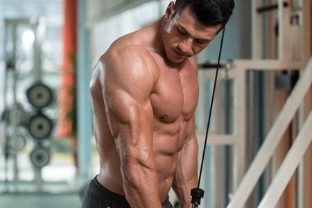 Triceps træning og øvelser – Få større overarme